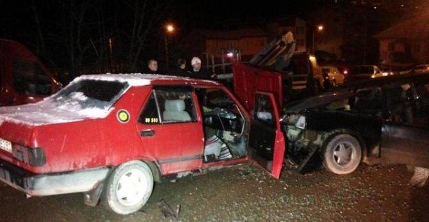 Polisten kaçan sürücü kaza yaptı: 2 yaralı