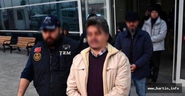 10 polis gözaltına alındı
