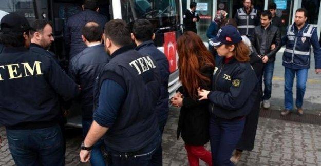 3 ilde FETÖ operasyonu: 12 gözaltı