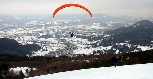 Abant'ta yamaç paraşütü tutkusu