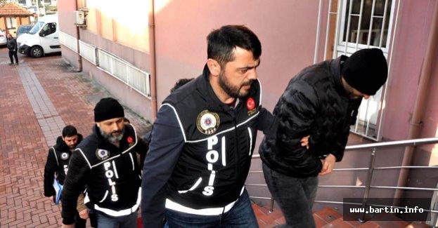 Bartın'da 7 Akademisyen tutuklandı