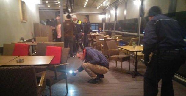 İş adamına AVM'de silahlı saldırı