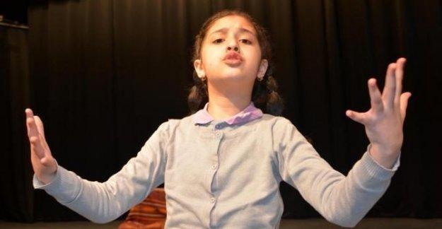 İstiklal Marşı'nı Güzel Okuma Yarışması'nın birincisi Suriyeli Shamaa