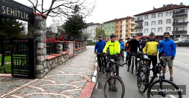 Şehitlere Saygı Bisiklet Turu Yapıldı