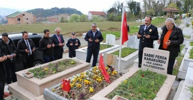 Beşiktaş şehidi mezarı başında anıldı