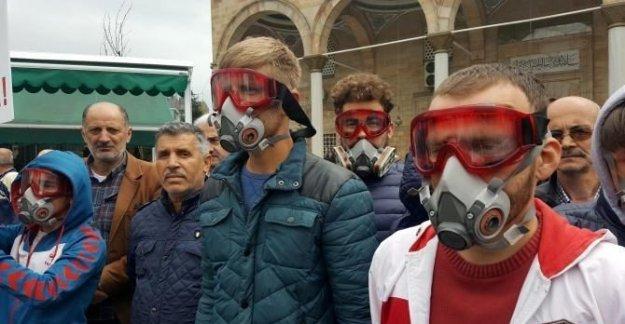 Gaz maskeli İdlip protestosu