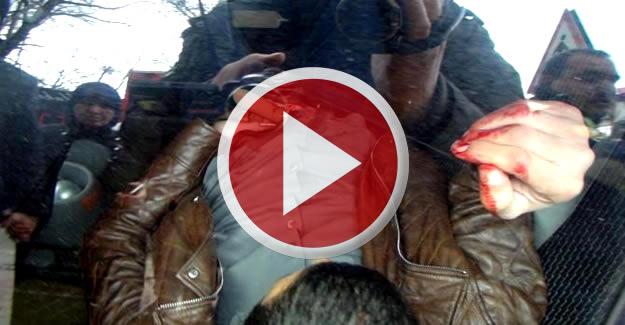 Kavgada bıçaklanan muhtar yaralandı