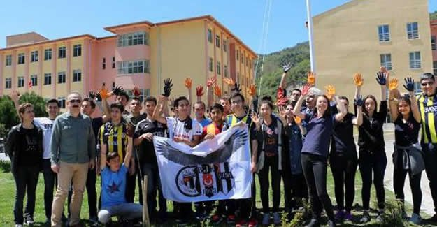 Liseliler Beşiktaş'ı şampiyon ilan etti