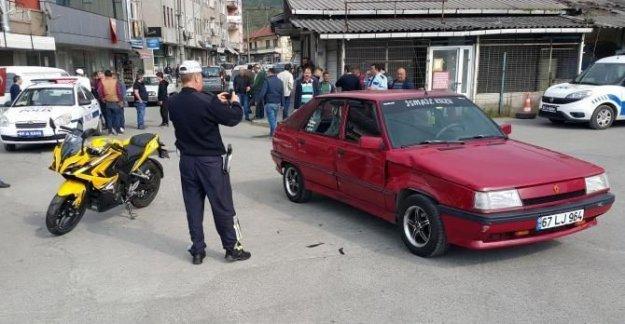 Otomobil ve motosiklet çarpıştı: 2 yaralı