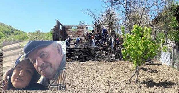 Yanan evin enkazında kolu bulundu