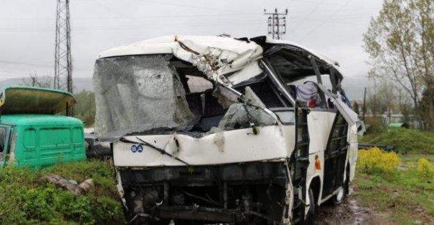 10 kişinin öldüğü kazada midibüs sürücüsü asli kusurlu