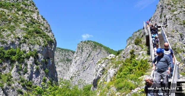 Dünya'nın En Derin 2.Kanyonuna Ziyaretçi Akını