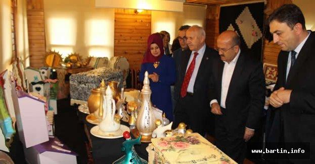 Kozcağız'da El Emeği Göz Nuru Sergisi