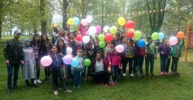 Mülteci çocuklar için kardeşlik projesi
