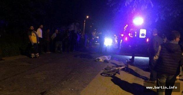 Otomobilin çarptığı bisikletli öldü