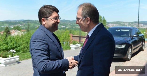 Tunç'tan Rektör Uzun'a Tebrik Ziyareti