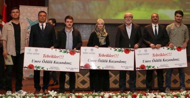 Üniversitede Umre ödüllü bilgi yarışması