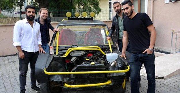 4 öğrenci, Tez Aracını Satışa Çıkardı