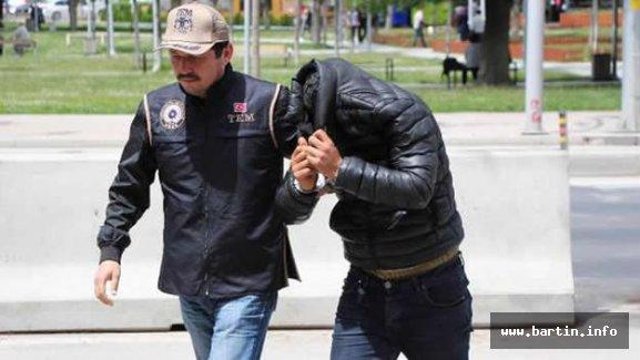 Askere terör örgütü propagasından gözaltı