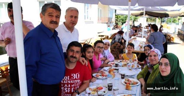 Demirciler ve Cumhuriyet Mahallesi Sakinleriyle Kahvaltı