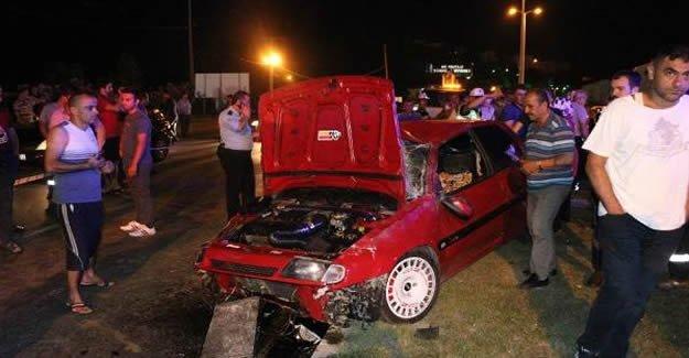 Kaza yapan otomobilden fırlayan genç öldü