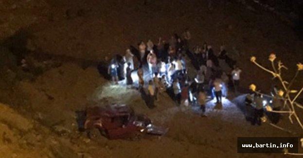 Kurucaşile'de Feci Kaza: 2'si ağır 3 yaralı