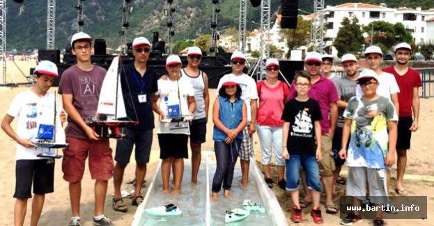 Festivalde Model Tekneler Yarıştı