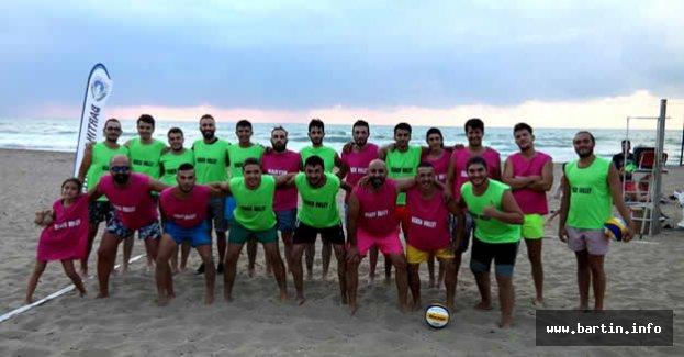 İnkumu Beach Volley Turnuvası Başladı
