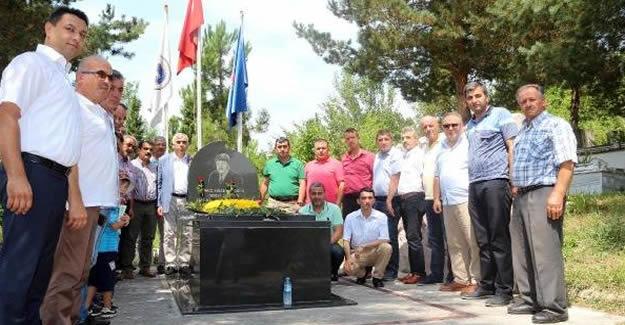 Şemsi Denizer mezarı başında anıldı