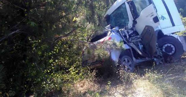 Tanker ile otomobil çarpıştı: 1 ölü, 1 yaralı