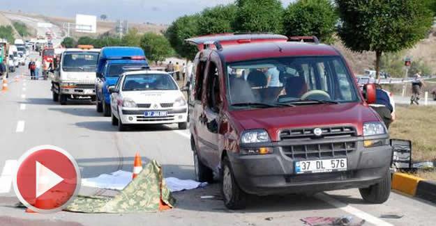 Hafif ticari araç 50 metre sürüklendi: 1 ölü, 4 yaralı