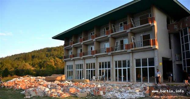 Ulus Oteli Restore Ediliyor