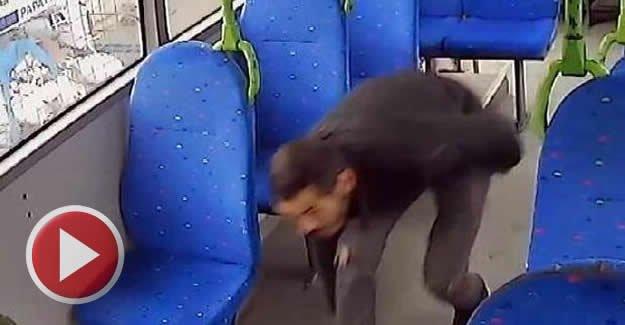 Halk otobüsündeki hırsızlık güvenlik kamerasında