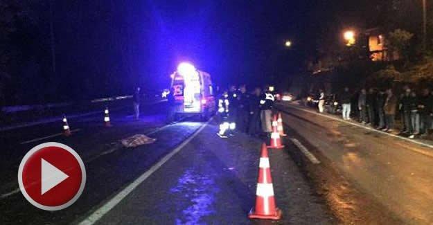 Yolun karşısına geçmeye çalışan çifte otomobil çarptı: 1 ölü
