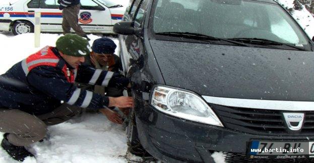 Jandarma'dan Kış Lastiği Uyarısı