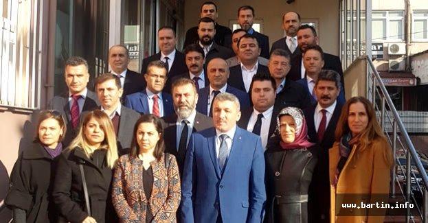 AK Parti İl Yönetimi Görev Dağılımı Yaptı