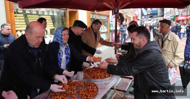3 Bin kişiye lokma tatlısı ikram edildi