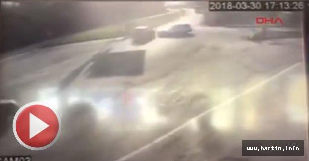 5 Kişinin yaralandığı O kaza kamerada