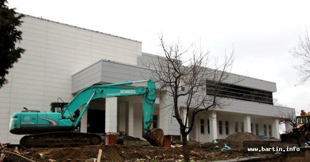 Amasra İlçe Hastanesine Son Rötuşlar
