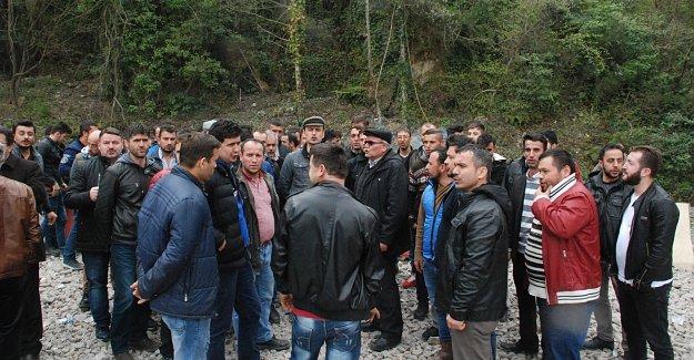 İşten çıkartılan 148 madenci eyleme başladı