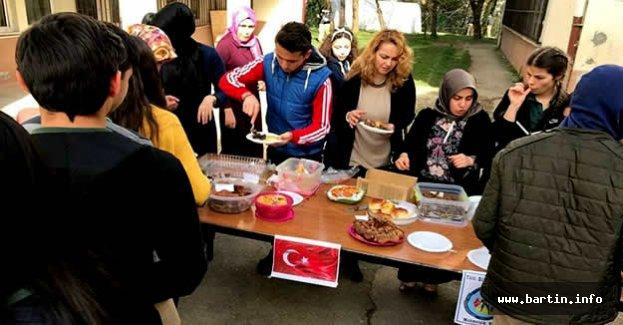 Lise Öğrencilerinden Mehmetçik İçin Kermes