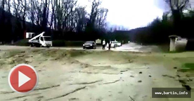 Yaka seli yolu kapattı