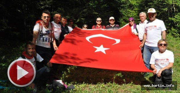 Bartın'ın En Yüksek Tepesine Türk Bayrağı