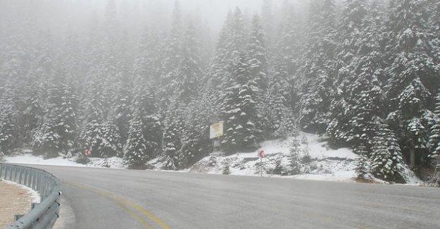 Ilgaz Dağı'nda kar yağışı