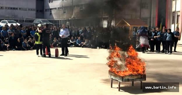Lisede Yangın Tatbikatı