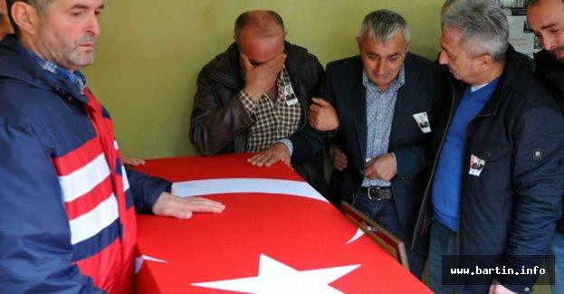 Trafik kazasında ölen asker toprağa verildi