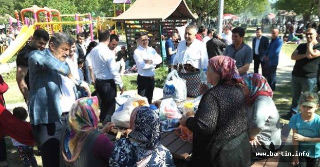 Karaçay Ana-Baba Günü