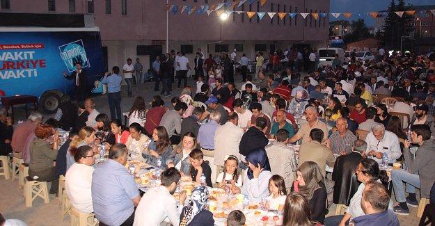 Ak Parti Adaylarına Gölbucağı'nda Yoğun İlgi