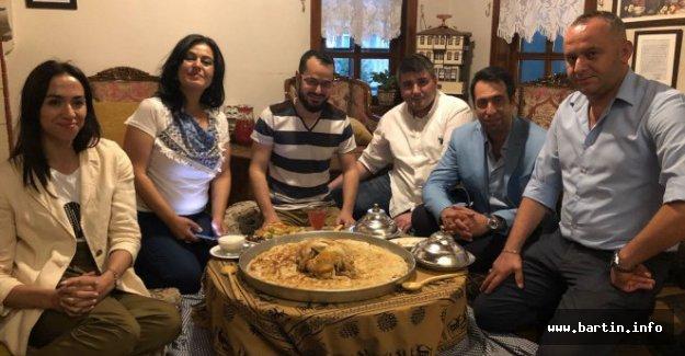 Arap Fenomene Tavuklu Börek