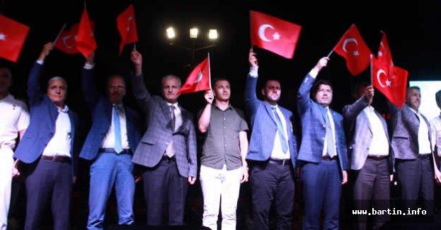 Türk Milleti Dimdik Ayakta
